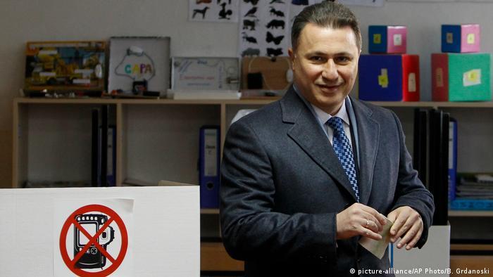 Mazedonien Parlamentswahlen- Anführer der VMRO-DPMNE- Partei Nikola Gruevski (picture-alliance/AP Photo/B. Grdanoski)