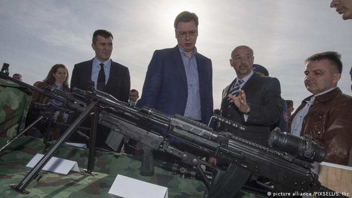 Diči se izvozom oružja: Aleksandar Vučić