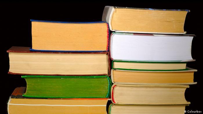 Symbolbild Buch Bücher Lesen