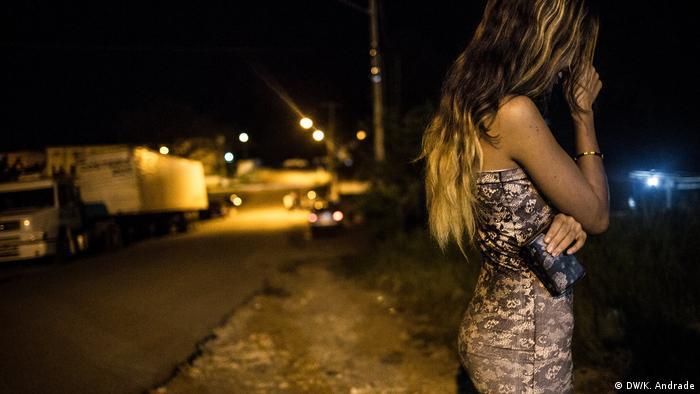 Venezuelanas se prostituem no Brasil para comprar comida