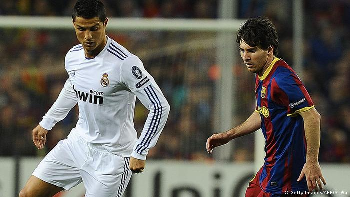 Topstars im Duell: Christiano Ronaldo und Lionel Messi (Getty Images/AFP/S. Wu)