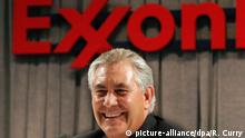 epa05669530 (FILE) A file picture dated 31 May 2006 shows Rex W. Tillerson, Chairman and CEO of ExxonMobil, answers questions during a press conference after the companies 2006 Annual Meeting of Shareholders at the Meyerson Symphony Center in Dallas, Texas, USA. According to reports from 10 December 2016, Tillerson is tipped the top candidate for US Secretary of State as US President-elect Donald Trump continues to fill in key positions in his new administration. EPA/REX C. CURRY *** Local Caption *** 00728286 |