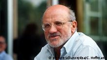 30.5.1988. Porträt des deutschen Schriftstellers Horst Bienek, aufgenommen am Rande des Schriftstellerkongresses in Berlin am 30.5.1988.   Verwendung weltweit