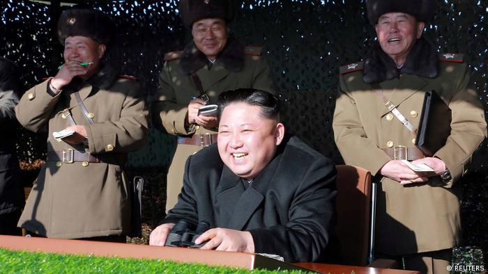 Nordkorea Kim Jong Un beim Simulationsmanöver