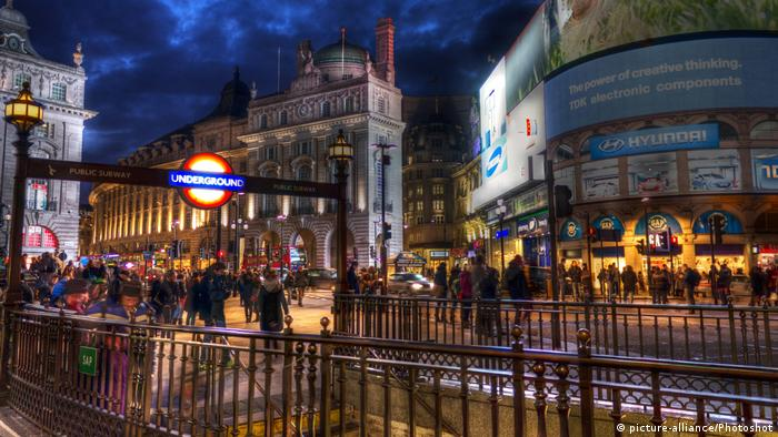 England London Picadilly Circus (picture-alliance/Photoshot)