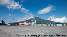 Russland Eröffnung des Flughafens auf Iturup Kurilen