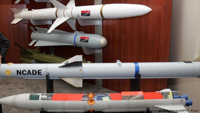 فروش کمپانی آمریکایی ریتیان Raytheon با افزایش ۸ درصدی در سال ۲۰۱۹ روبرو بود. ۸۵ درصد درآمد این کارخانه یعنی ۲۵ میلیارد دلار از محل فروش جنگافزا بوده است. این کمپانی از بزرگترین تولیدکنندگان موشکهای هدایتشونده در جهان محسوب میشود.
