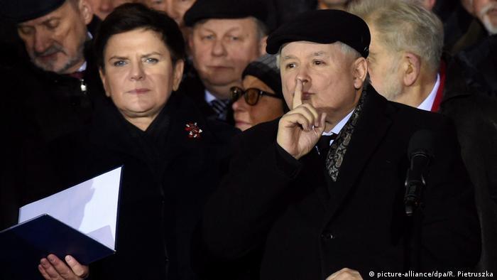 PiS leader Jaroslaw Kaczynski next to Prime Minister Beata Szydlo