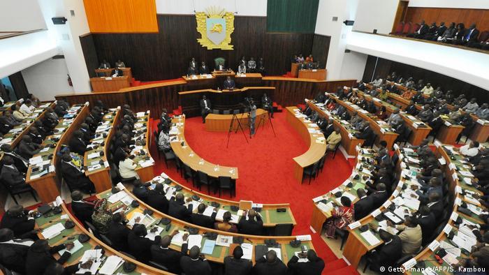 L'oppostion signe son retour au Parlement ivoirien pour une nouvelle législature