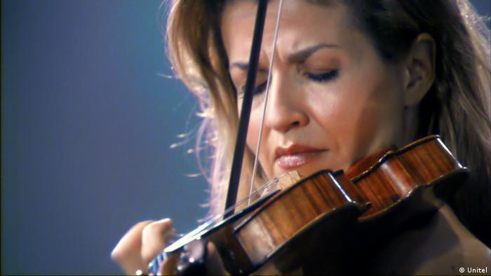 Anne-Sophie Mutter plays violin