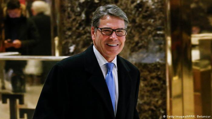 USA Rick Perry, desiginierter Energieminister nach Treffen mit Donald Trump (Getty Images/AFP/K. Betancur)