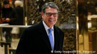 USA Rick Perry, desiginierter Energieminister nach Treffen mit Donald Trump