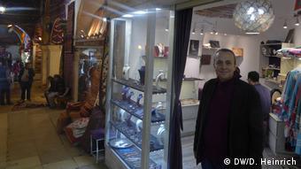 Türkei Istanbul - Ladenbesitzer Hasan Selamet (DW/D. Heinrich)