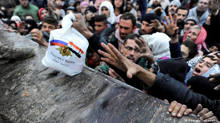 Syrien Bürgerkrieg Aleppo russische Hilfslieferungen (Reuters/O. Sanadiki)