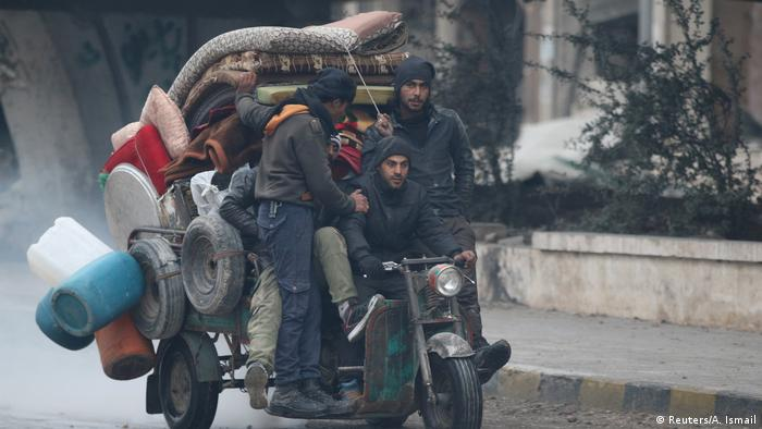 Syrien Bürgerkrieg Aleppo Flüchtlinge (Reuters/A. Ismail)