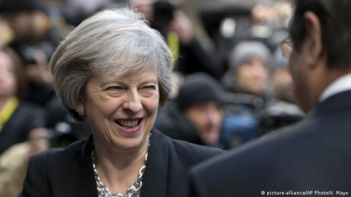 Belgien EU Gipfel Theresa May (picture-alliance/AP Photo/V. Mayo)
