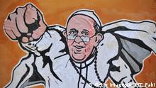 Italien Papst Franziskus als Superman
