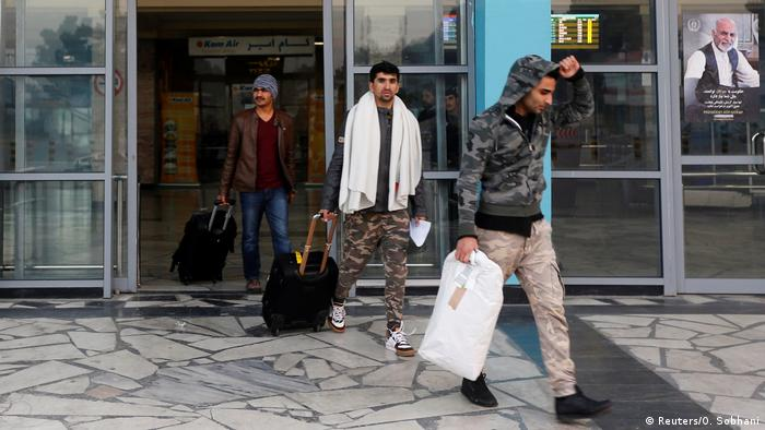 Abgeschobene Afghanen nach ihrer Ankunft in Kabul