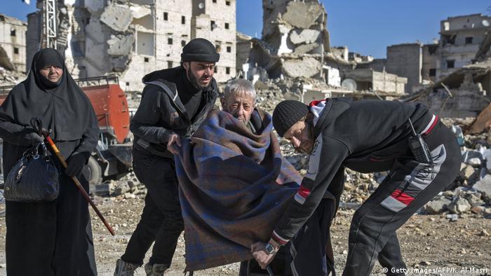 Syrien Krieg - Evakuierungen in Aleppo (Getty Images/AFP/K. Al-Masri)