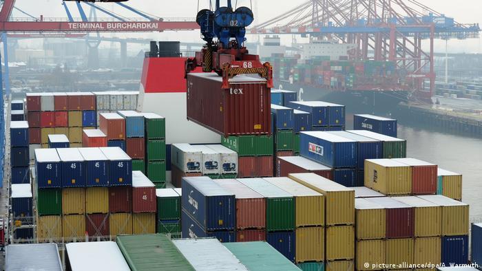 Deutschland Containerschiff CMA CGM Marco Polo in Hamburg