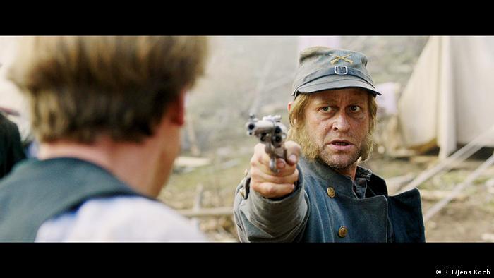 Jürgen Vogel als Rattler in der Winnetou-Neuverfilmung 2016 (Foto: RTL/Jens Koch)