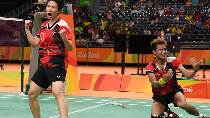 36792569 303 - Asian Games Badminton 2018