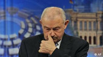 Beckstein im Landtag nach der Bekanntgabe des Wahlergebnisses (Foto: AP)