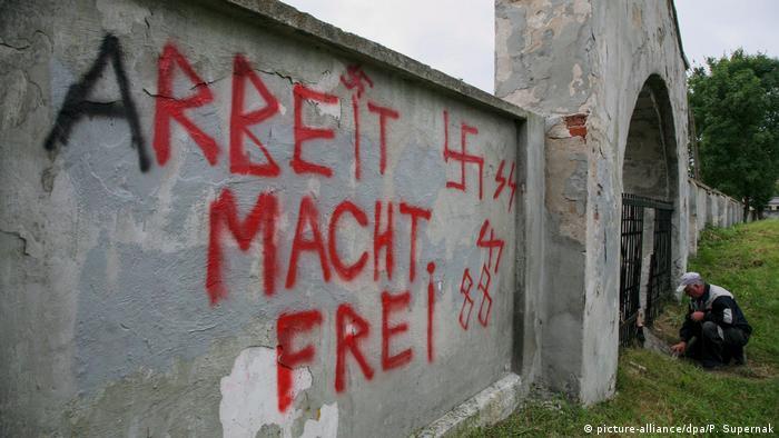 Polen Rassismus Nazi-Schmierereien auf jüdischem Friedhof