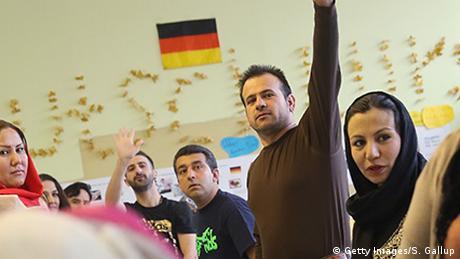 Themenheader Erste Schritte in Deutschland Flüchtlinge