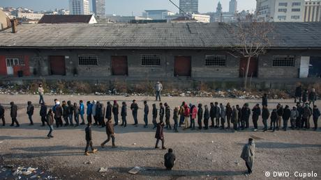 Serbien Flüchtlingsunterkunft in Belgrad (DW/D. Cupolo)