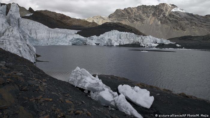 Peru schmelzende Gletscher in Huaraz (Foto: picture-alliance/AP Photo/M. Mejia)