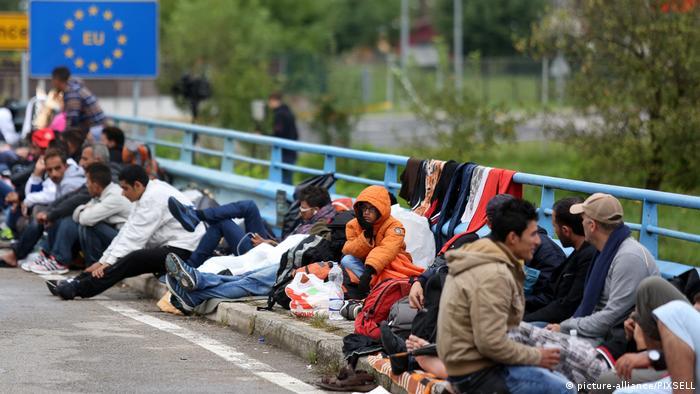 Flüchtlinge am kroatisch-slowenischen Grenzübergang Harmica Rigonce