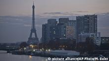 Dec. 16, 2016*** The Eiffel tower is seen as Paris suffers a pollution spike, in Paris, Friday, Dec. 16, 2016. Paris city hall has barred half of all cars from traveling and made public transportation free. (AP Photo/Michel Euler) |