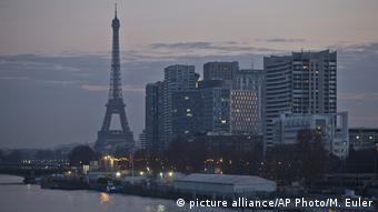 Frankreich Eiffelturm wegen Streiks weiter geschlossen