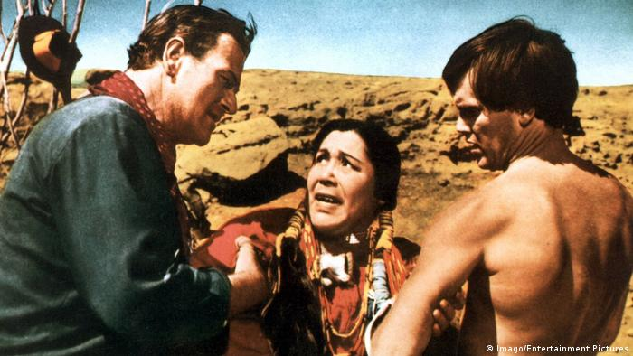 Film still 'The Searchers' (Imago/Entertainment Pictures)