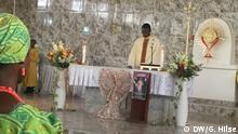 Nigeria Weihnachten - Peter Eshioke Egielewa beim Gottesdienst in Lagos