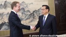 China Treffen von chinesischen Premierminister Li Keqiang und norwegischem Außenminister Borge Brende in Peking