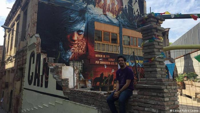 Juan Carlos Alarcon Politikwissenschaftler jobbt jetzt in einem Café nach einem Jahr der Suche ( Jose Angel Vazquez Gonzalez)