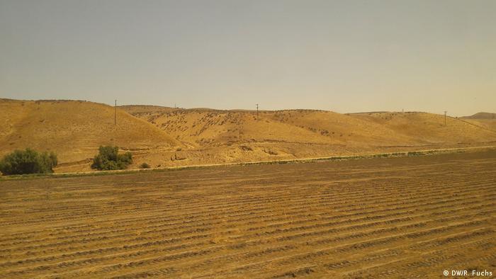 Dessicated farmland between San Francisco and Los Angeles