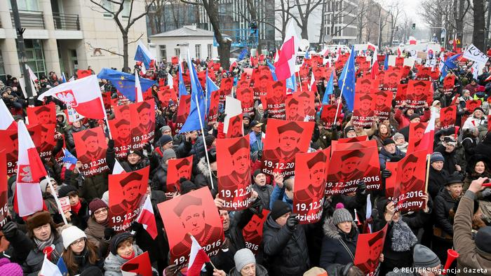 Polen Protesten gegen polische Regierung in Warschau