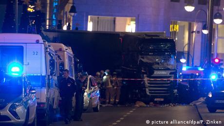 Deutschland Möglicher Anschlag auf Berliner Weihnachtsmarkt (picture alliance/dpa/P. Zinken)