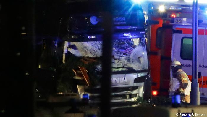 Deutschland Neun Tote und viele Verletzte auf Berliner Weihnachtsmarkt (Reuters/F. Bensch)