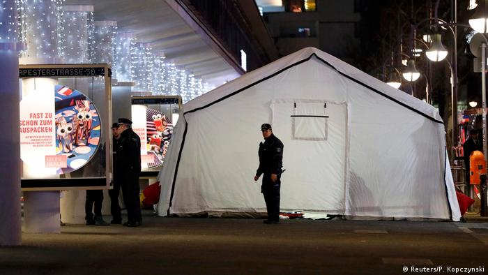 Nine dead and many injured at a Berlin Christmas market. (Reuters/P. Kopczynski)