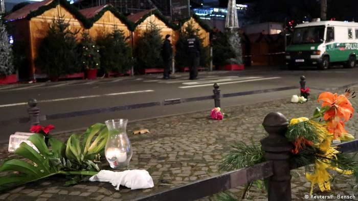 Deutschland Anschlag mit LKW auf Weihnachtsmarkt in Berlin (Reuters/F. Bensch)