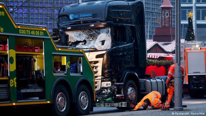 Deutschland Anschlag mit LKW auf Weihnachtsmarkt in Berlin (Reuters/H. Hanschke)