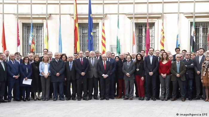 Spanien Finanzminister Cristobal Montoro und Abgeordnete trauern um die Opfer von Berlin und Istambul (imago/Agencia EFE)