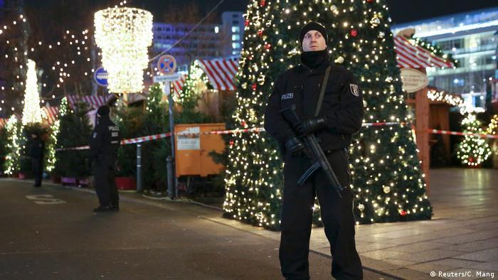 Deutschland Weihnachtsmarkt Tradition (Reuters/C. Mang)