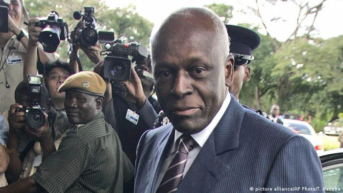 Angola Jose Eduardo dos Santos (picture alliance/AP Photo/T. Hadebe)