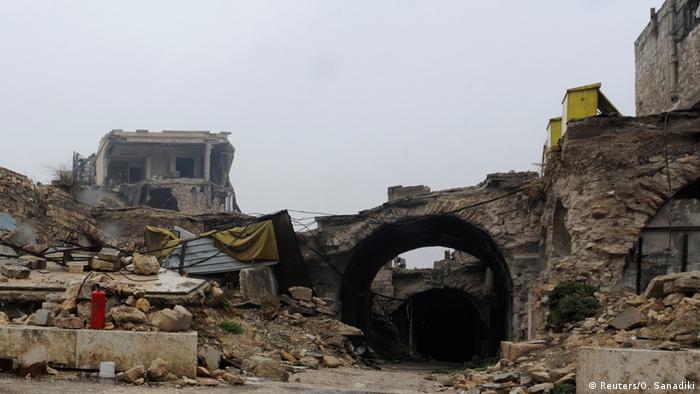Syrien Aleppo Vorher-Nachher: Eingang zum Al-Zarab-Markt - nachher (2016) (Reuters/O. Sanadiki)