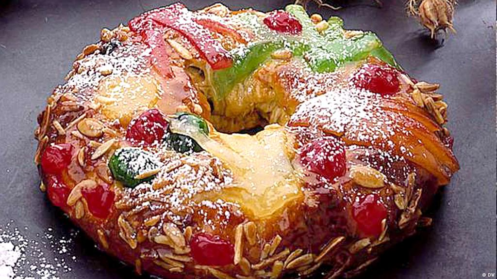 bolo rei christmas cake from portugal desserts and sweet temptations dw 21122016 - Christmas In Portugal